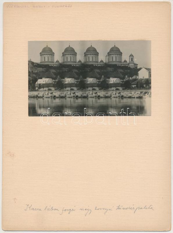 cca 1925 Kerny István (1879-1963): Kacsalábon forgó, négy tornyú tündérpalota, pecséttel jelzett vintage fotóművészeti alkotás, 7,5x12 cm