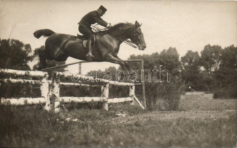 K.u.K. officer, horse jump, photo, Osztrák-magyar tiszt, lóugrás
