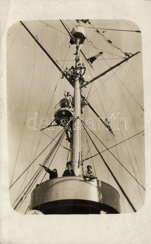 Sailors of the mast, photo, Az árboc matrózai, fotó