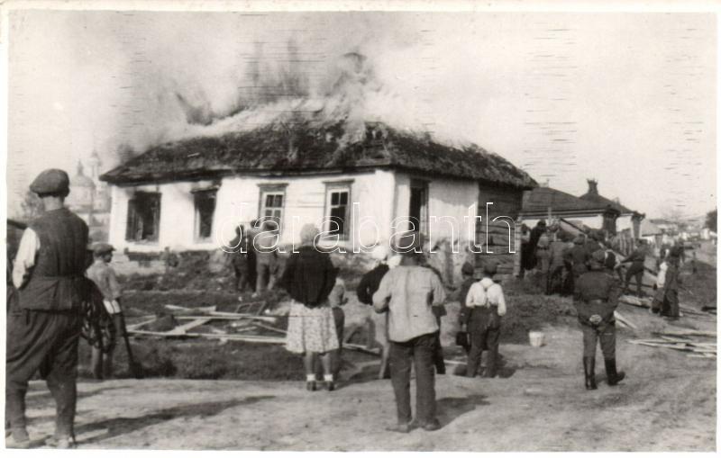 WWII military postcard from Zakarpattia Oblast, burning house, firefighting, photo, II. világháborús katonai lap Kárpátaljáról, égő ház tűzoltása