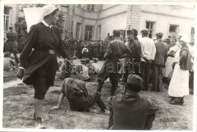 WWII military postcard from Zakarpattia Oblast, military music band, nurses, photo, II. Világháborús katonai lap Kárpátaljáról, katonai zenekar, nővérek