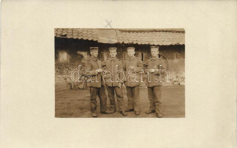 WWI German cigarette smoking soldiers, group photo, I. világháború, dohányzó német katonák csoportképe