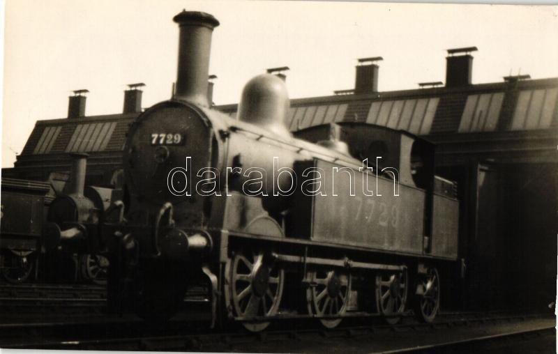 Vintage locomotive '7729' at the railway station, photo, '7729' mozdony, vasútállomás, fotó