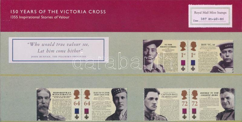 Victoria Cross of Merit 3 pairs in decorative holder, Victoria érdemkereszt 3 pár díszcsomagolásban