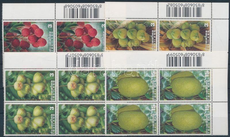 Fruits set in corner blocks of 4, Gyümölcsök sor ívsarki négyestömbökben