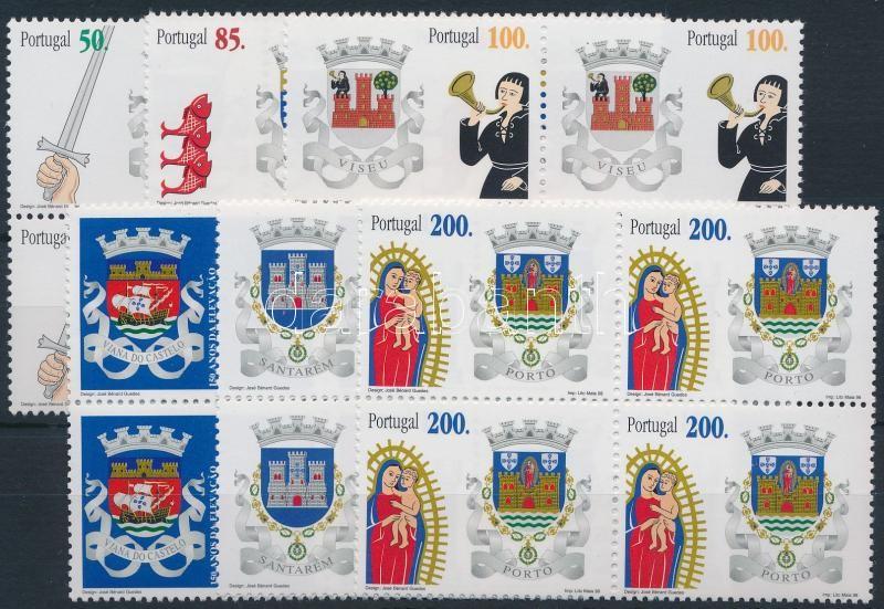 District-crests set in blocks of 4, Kerület-címerek sor négyestömbökben
