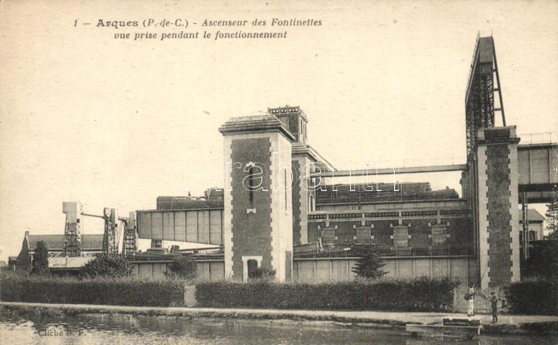 Arques, Ascenseur des Fontinettes vue prise pendant le fonctionnement / boat lift 'Fontinettes' in operation