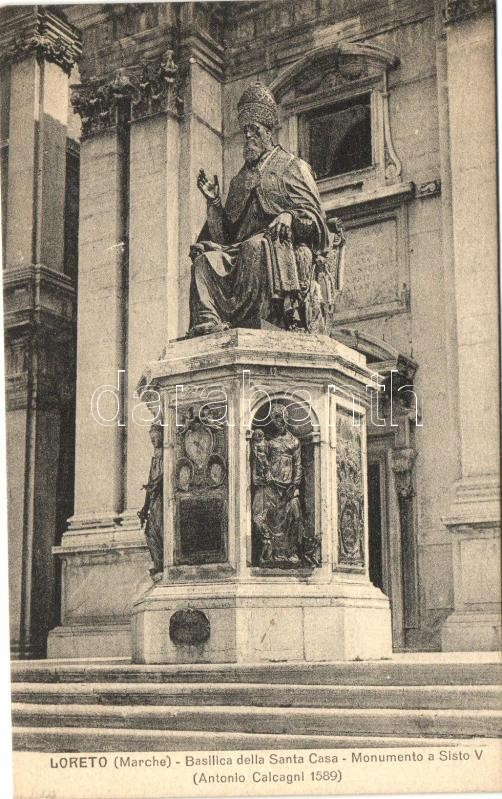 Loreto, Basilica della Santa Casa, Monumento a Sisto V / Basilica, monument of Sixtus V.