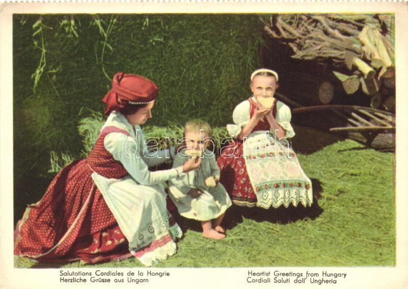 Hungarian folklore, Magyar népviselet