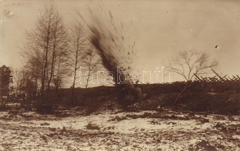 WWI (?) grenade explosion, photo, I. világháborús (?) gránát becsapódás