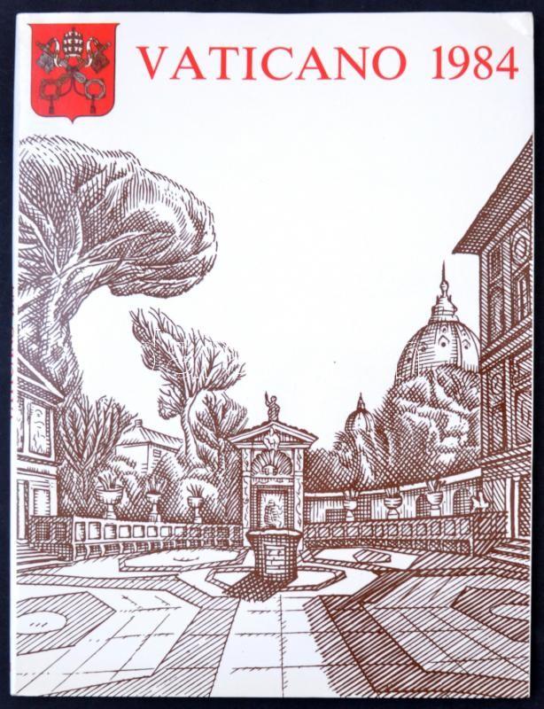 Vatican Album, Vatikán 4 nyelvű Bélyegkönyve, benne a teljes évfolyam bélyegek, díjjegyes képeslapok P27 (5 klf), aerogramm LF22, emlékív