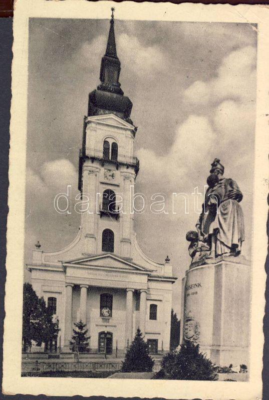 Békés, Református templom, Hősök szobra