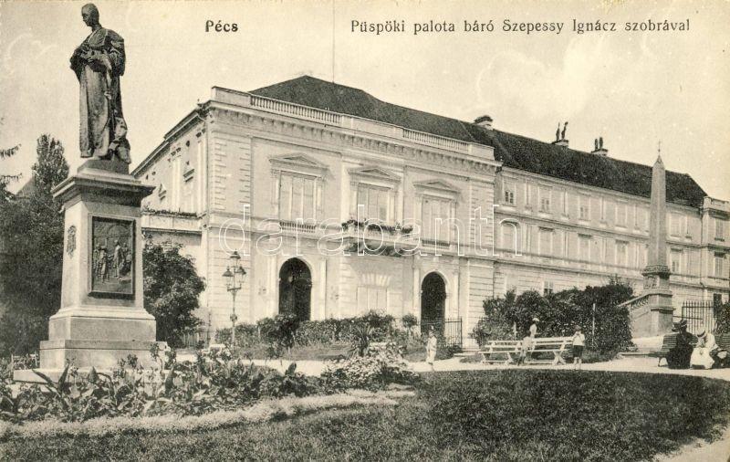 Pécs, Püspöki palota báró Szepessy Ignácz szobrával