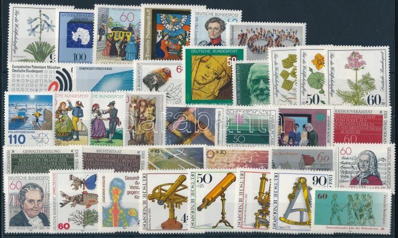 36 stamps, almost complete year, 36 klf bélyeg, a teljes évfolyam kiadásai