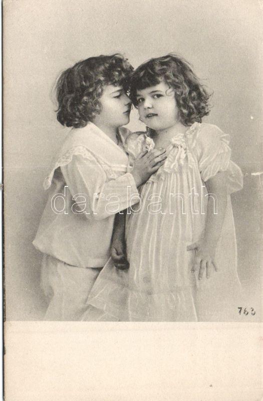 Children in nightgowns, Gyerekek hálóingben