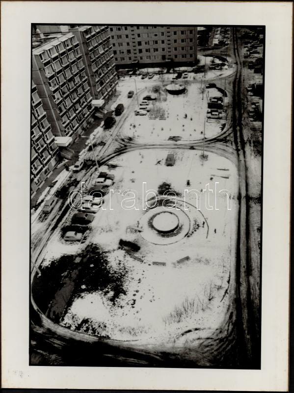 cca 1978 Schmidt Andrea: Téli táj, feliratozott vintage fotóművészeti alkotás, farost lemezre kasírozva, 29x39 cm