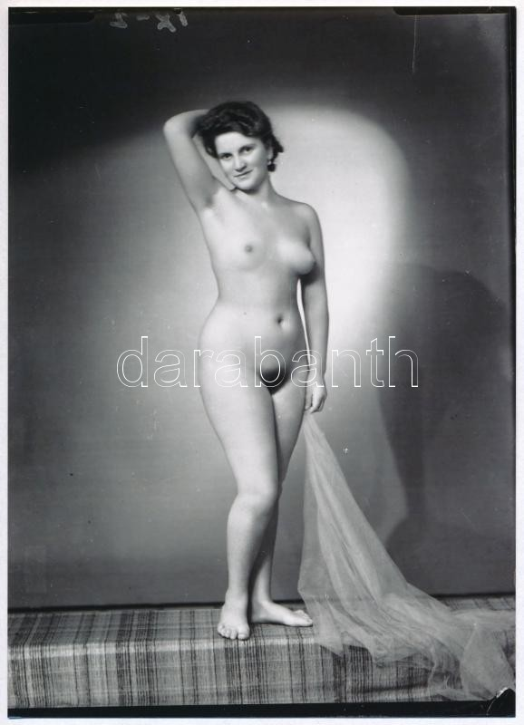 cca 1948 Fekete György (1904-1990) budapesti fényképész hagyatékából 3 db vintage negatív mai nagyítása, 18x13 cm