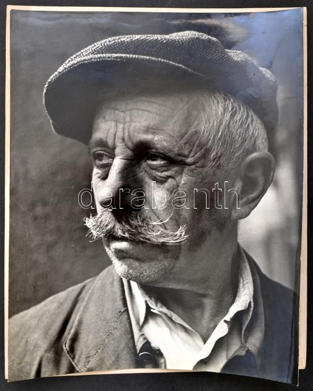 cca 1958 Szabó Lajos (?-?) újpesti fotóművész hagyatékából, pecséttel jelzett vintage fotó (Imre bácsi), 29x23 cm, karton 30x24 cm