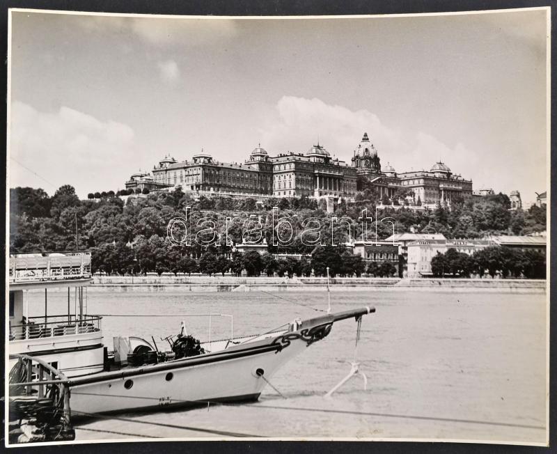 cca 1935 Budapest, professzionális minőségű, vintage fénykép a budai királyi palotáról, 23,5x29,5 cm
