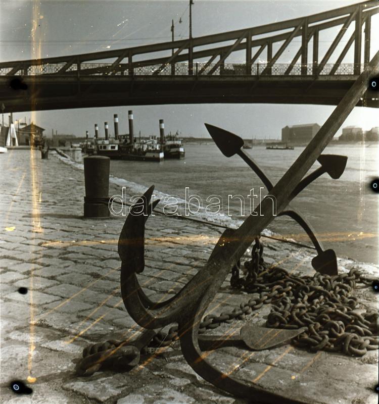 cca 1960 A budai várban és a Duna parton készült művészfelvételek, 11 db vintage negatív, 6x6 cm