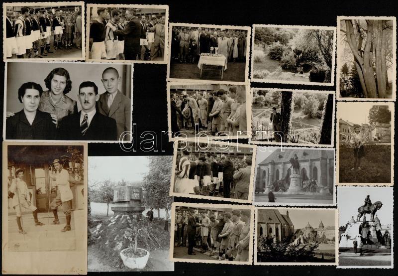 1910. február 9. Kolozsvárról Tekére (Erdély) küldött privát fotólap Jupiter Erzsikének, diákok turista bottal, 14x9 cm + 1942. május 24-25. Kolozsvár, főiskolai focicsapatok bajnoki döntőjén készült 6 db fénykép, 6x8 cm + 1942-1944 Kolozsvári emlékek, 11 db feliratozott fotó, 6x8,5 cm + cca 1960 Erdély, Fehéregyháza, Petőfi Sándor emlékét őrző emlékmű, ma már szobor is áll ezen a helyen, feliratozva, 12x9 cm + 1945 Angelo brassói stúdiójában készült, feliratozott családi fotó, 8x13 cm