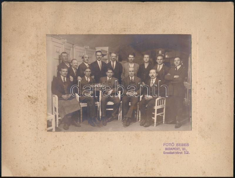 cca 1926 Fuchs József budapesti asztalosmester és alkalmazottai, továbbá Fuchs J. József bútorgyárának alkalmazottjai, 2 db vintage fotó, 11,5x17 cm és 17x23 cm, karton 20,5x27 cm
