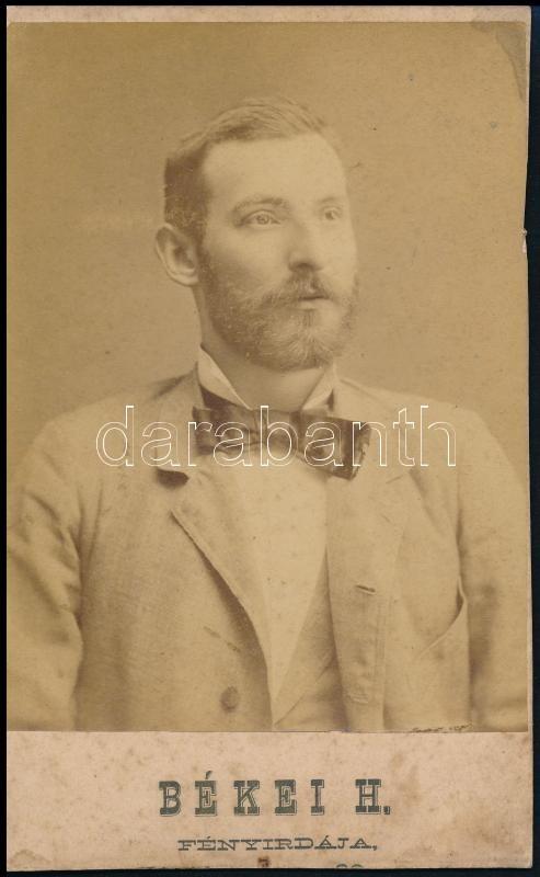 cca 1863 Békei H. fényirdájában készült, kabinetfotó méretű, vintage fénykép, 17x10,5 cm