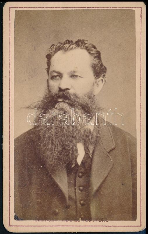 cca 1876 Ellinger Ede budapesti fényképész műtermében készült, vizitkártya méretű vintage fotó, 10,2x6,5 cm
