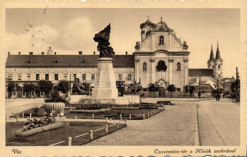 Vác Konstantin tér, Hősök szobra
