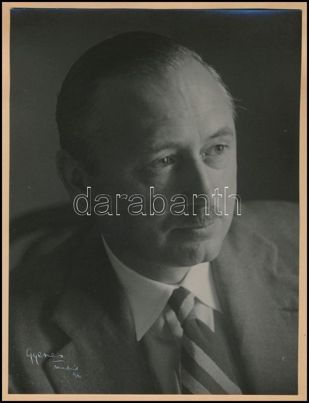 1940 Madrid, Gyenes János (Juan Gyenes) (1912-1995) magyar származású, madridi fényképész és fotóművész hagyatékából, aláírt vintage fotó, 24x18 cm, képátadó mappa 32,5x25 cm
