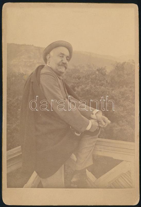 cca 1890 Guda Dömét ábrázoló keményhátú fénykép, feliratozva, 15,8x10,6 cm