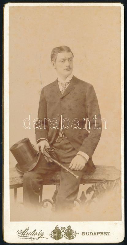 cca 1900 Budapest, Streliskij (!) osztr. csász. és magy. kir. udvari fényképész műtermében készült, keményhátú vintage fotó, 14,9x7,5 cm