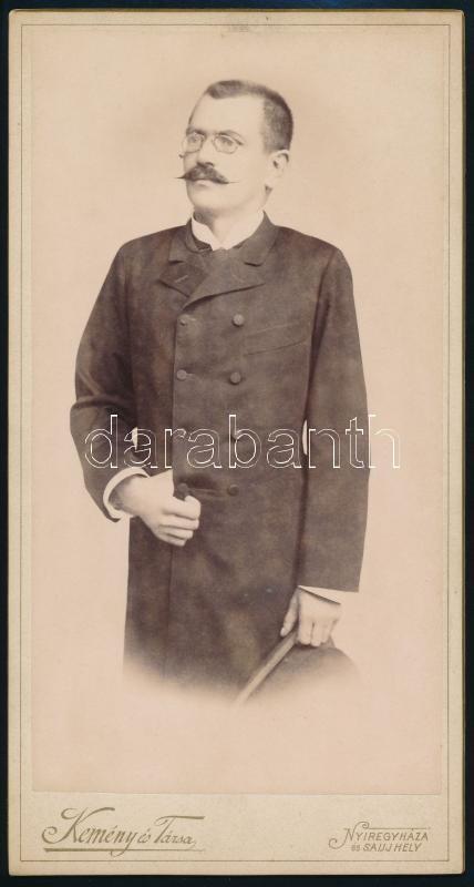cca 1900 Nyíregyháza, Kemény és Társa fényképészeti műtermében készült, keményhátú, vintage fotó, 20,8x11 cm