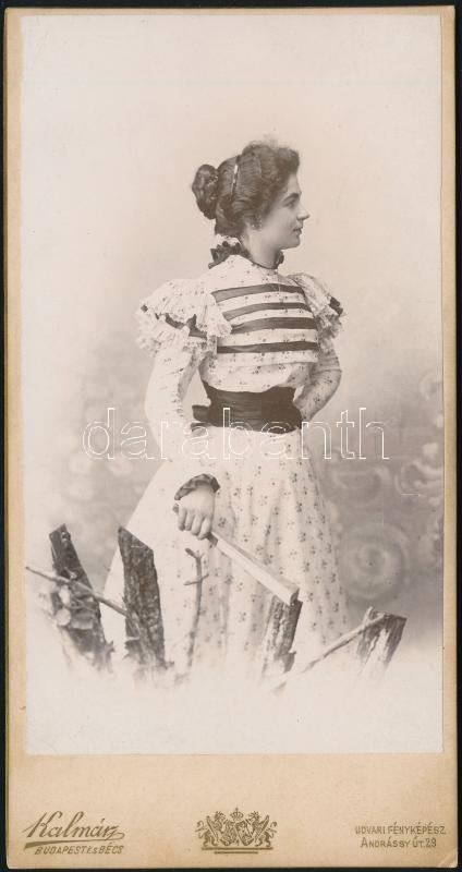 cca 1898 Budapest, Kalmár P. udvari fényképész műtermében készült, keményhátú vintage fotó, 16,2x8,4 cm
