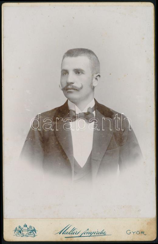 1899 Győr, a Makart fényképészeti műintézetben készült, keményhátú vintage fotó, kabinetfotó méretben, 16,3x10,3 cm