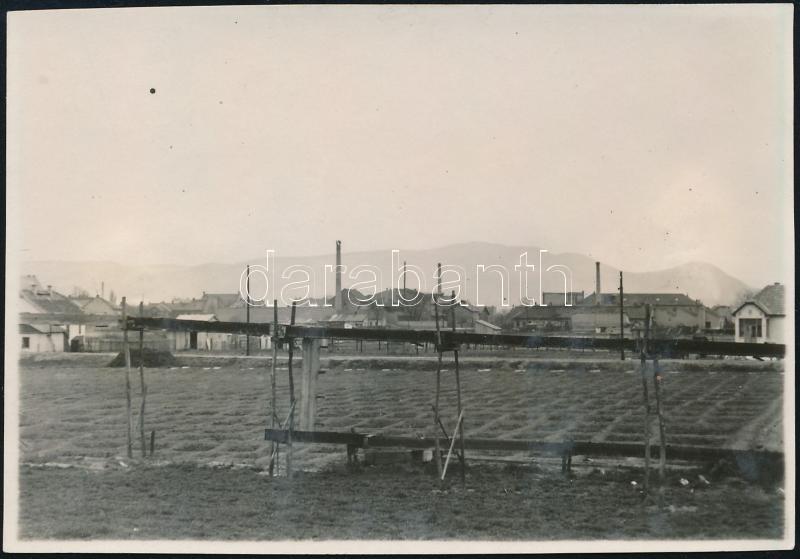 1929 Kinszki Imre (1901-1945) budapesti fotóművész hagyatékából, a szerző által feliratozott vintage fotó (Zugló, ez a szerző 148. sz. felvétele), 5,7x8,3 cm