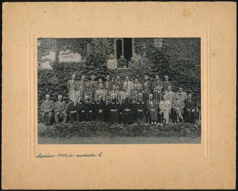 1942 Budapest, Manréza, a Hável Fotószalon felvétele, 11,3x17,5 cm, karton 20x25 cm