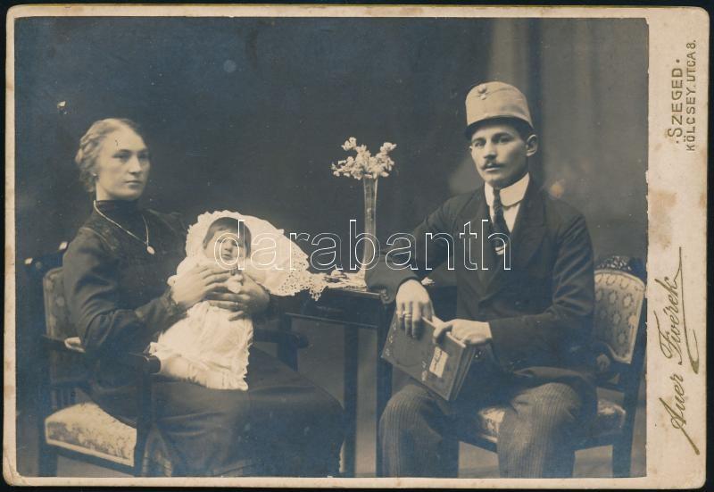 cca 1910 Szeged, Auer Fivérek fényképészeti műtermében készült, keményhátú vintage fotó, 11x16,1 cm