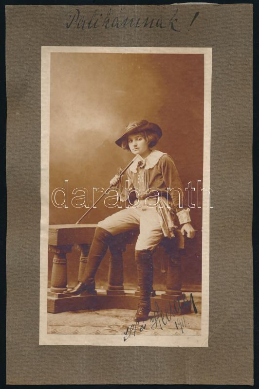 1911 Jelzés nélküli, datált műtermi fotó, kasírozva, 18x10 cm, karton 24,5x16 cm