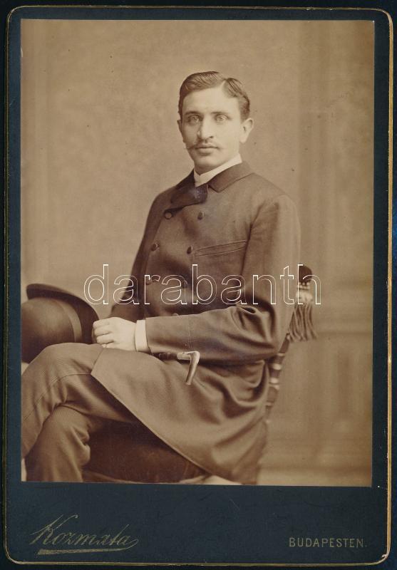 1883 Budapest, Kozmata Ferencz (1864-1902) császári és királyi udvari fényképész műtermében készült, keményhátú vintage fotó, 16,1x11,2 cm