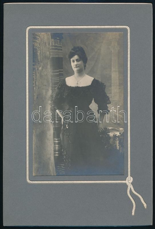 cca 1897 Jelzés nélküli, keményhátú, vintage fotó, 21x14 cm
