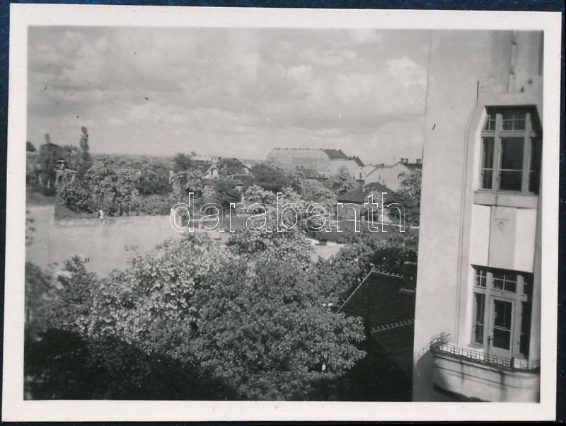 1932 Kinszki Imre (1901-1945) budapesti fotóművész jelzés nélküli, de általa feliratozott és datált vintage fotója a hagyatékából (Róna u.), 4,5x6 cm