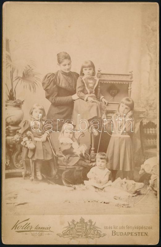 1894 Budapest, Koller Károly (1838-1889) tanár, császári és királyi udvari fényképész műtermében készült keményhátú vintage fotó, 17,1x11 cm