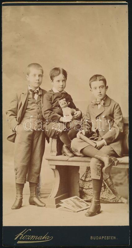 cca 1880 Budapest, Kozmata Ferencz császári és királyi udvari fényképész műtermében készült, keményhátú vintage fotó,
