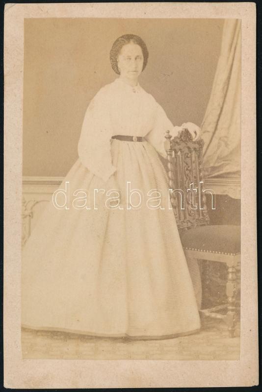 cca 1860 Trieszt, W. Engel fényképész műtermében készült, keményhátú vintage fotó, 9,5x6,3 cm