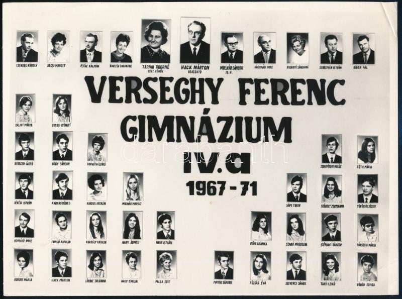 1971 Verseghy Ferenc Gimnázium tanárai és végzős tanulói, kistabló nevesített portrékkal, sarkán törésvonal, 18x24 cm