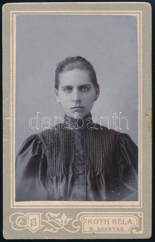 cca 1900 Szarvas, Roth Béla fényképész műtermében készült, keményhátú vintage fotó, 10,8x6,7 cm