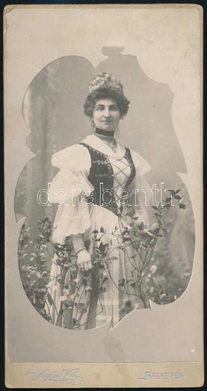 cca 1910 Szentes, özv. Hegedűs Vilmosné fényképész műtermében készült, keményhátú, vintage fotó, 20,6x10,8 cm