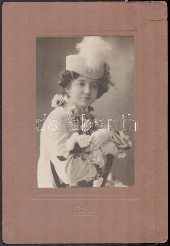 cca 1910 Hódmezővásárhely, Till Viktor fényképész műtermében készült vintage fotó, 20x12,8 cm, karton 31,8x21,8 cm