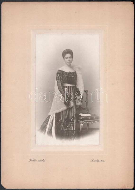 cca 1895 Budapest, Koller utódai fényképészeti műtermében készült, keményhátú vintage fotó, szép hátoldali grafikával, 31x22 cm